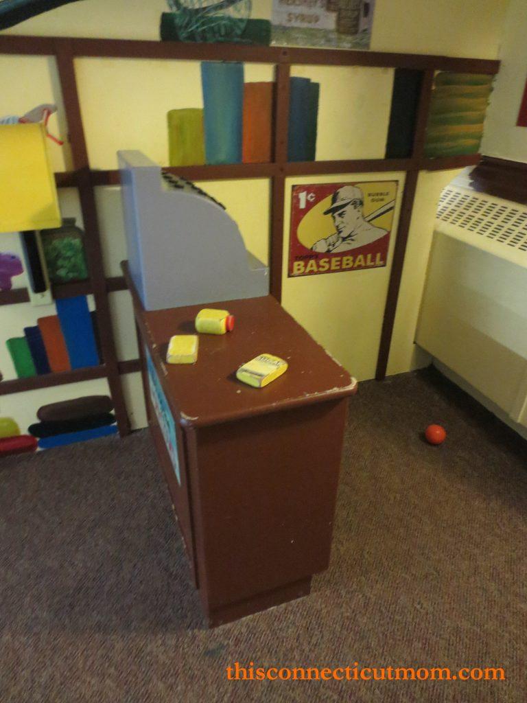 Lutz- Main Room