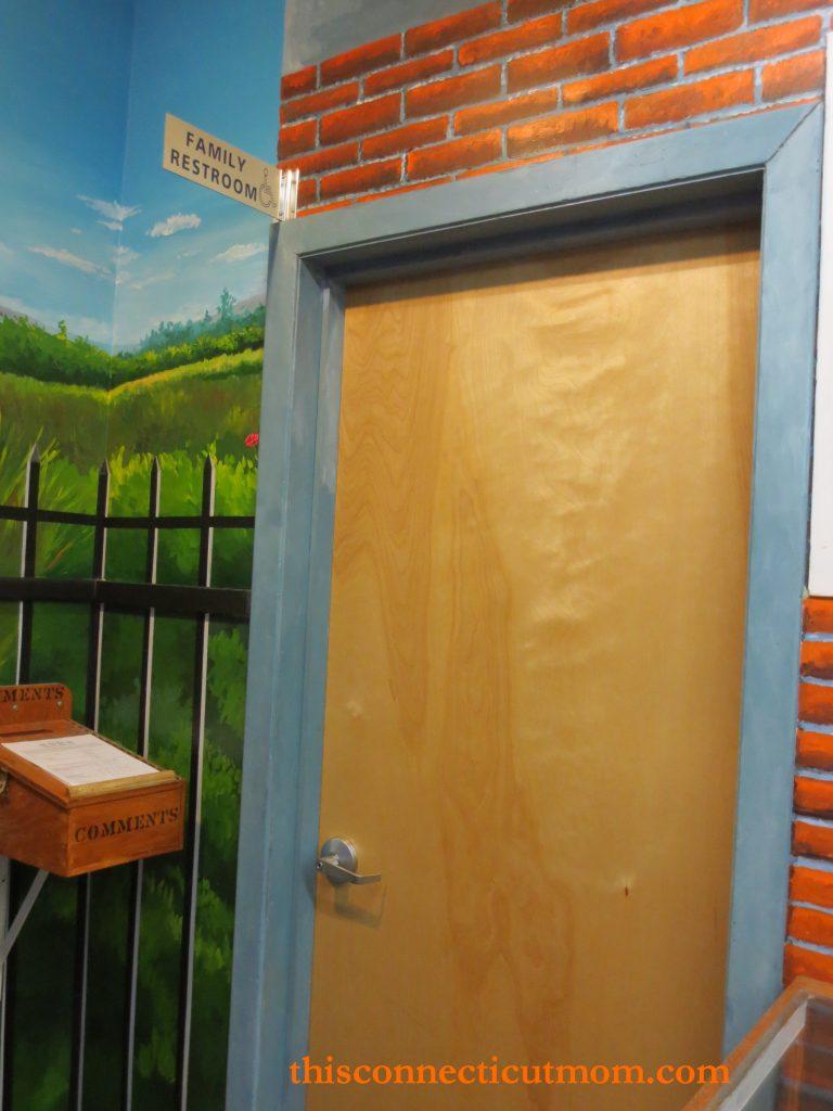 Lutz- Bathroom