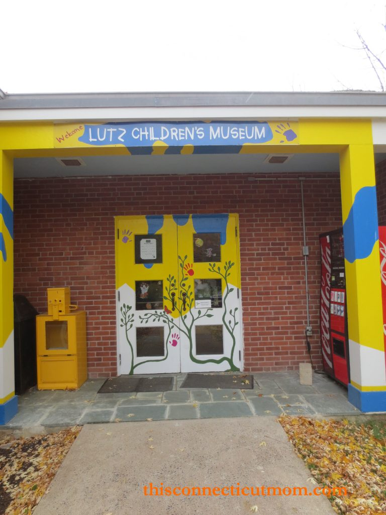 Lutz- Entrance